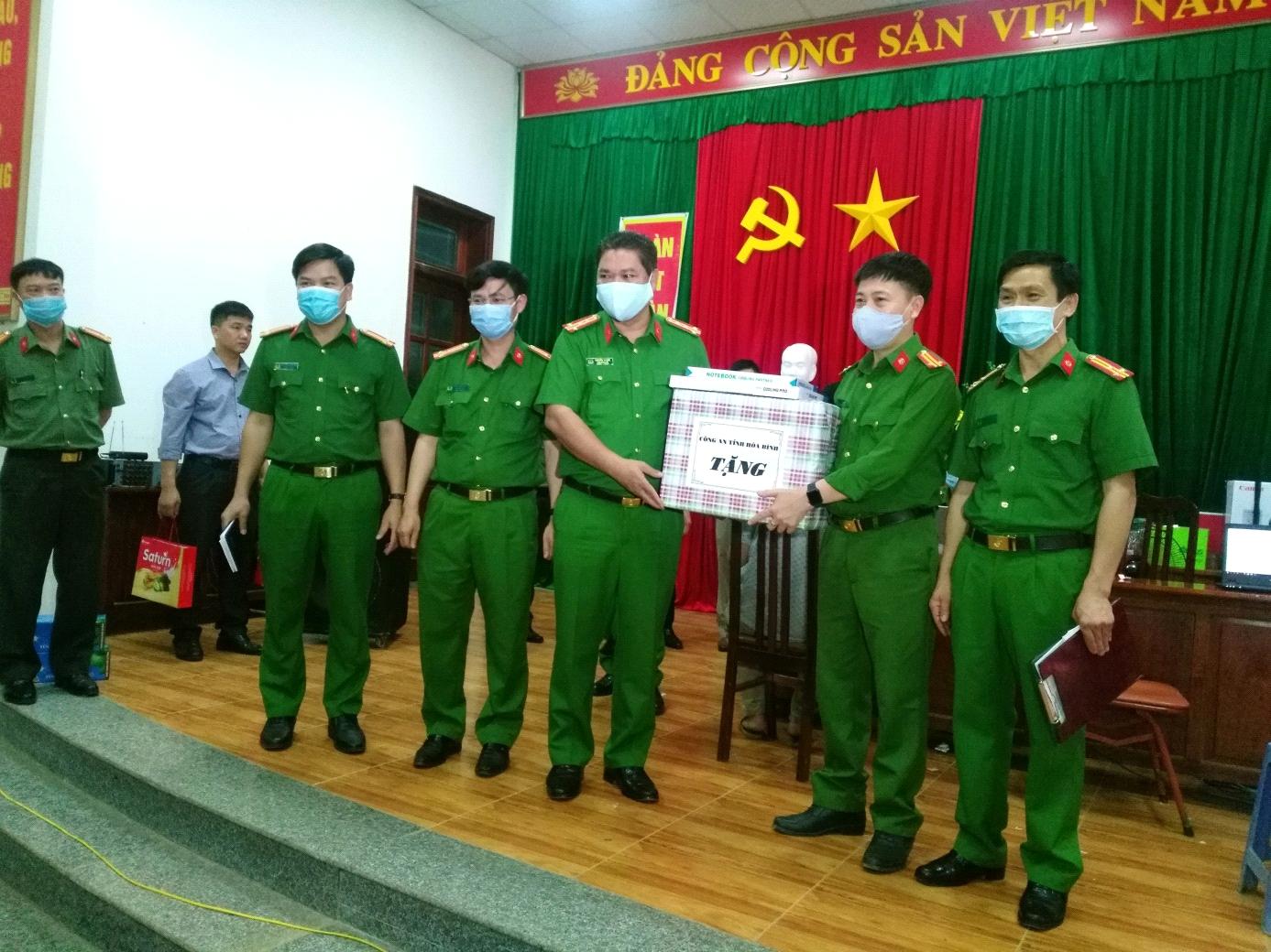 Lãnh đạo công an tỉnh Hòa Bình: Kiểm tra công tác cấp thẻ căn cước công dân tại huyện Cao Phong